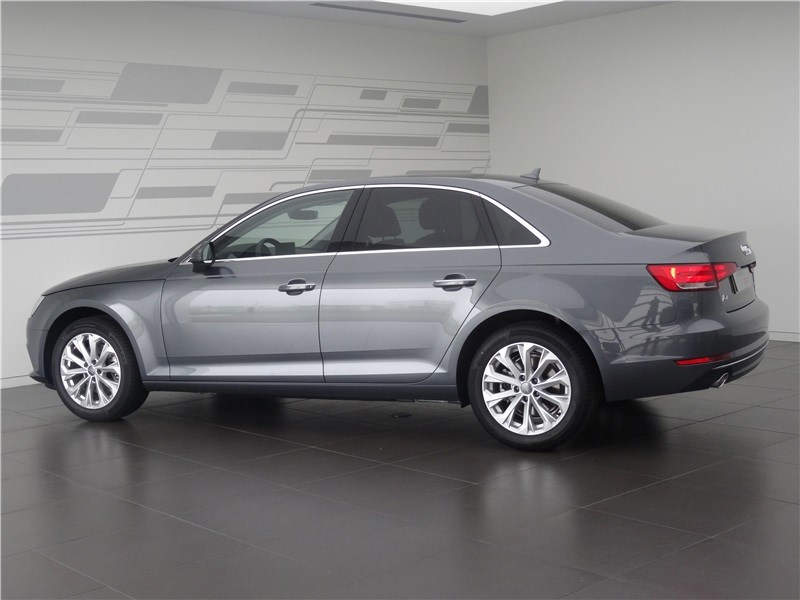 AUDI A4 2.0 TDI 150ch Design Olympic Auto Nogent Le Phaye