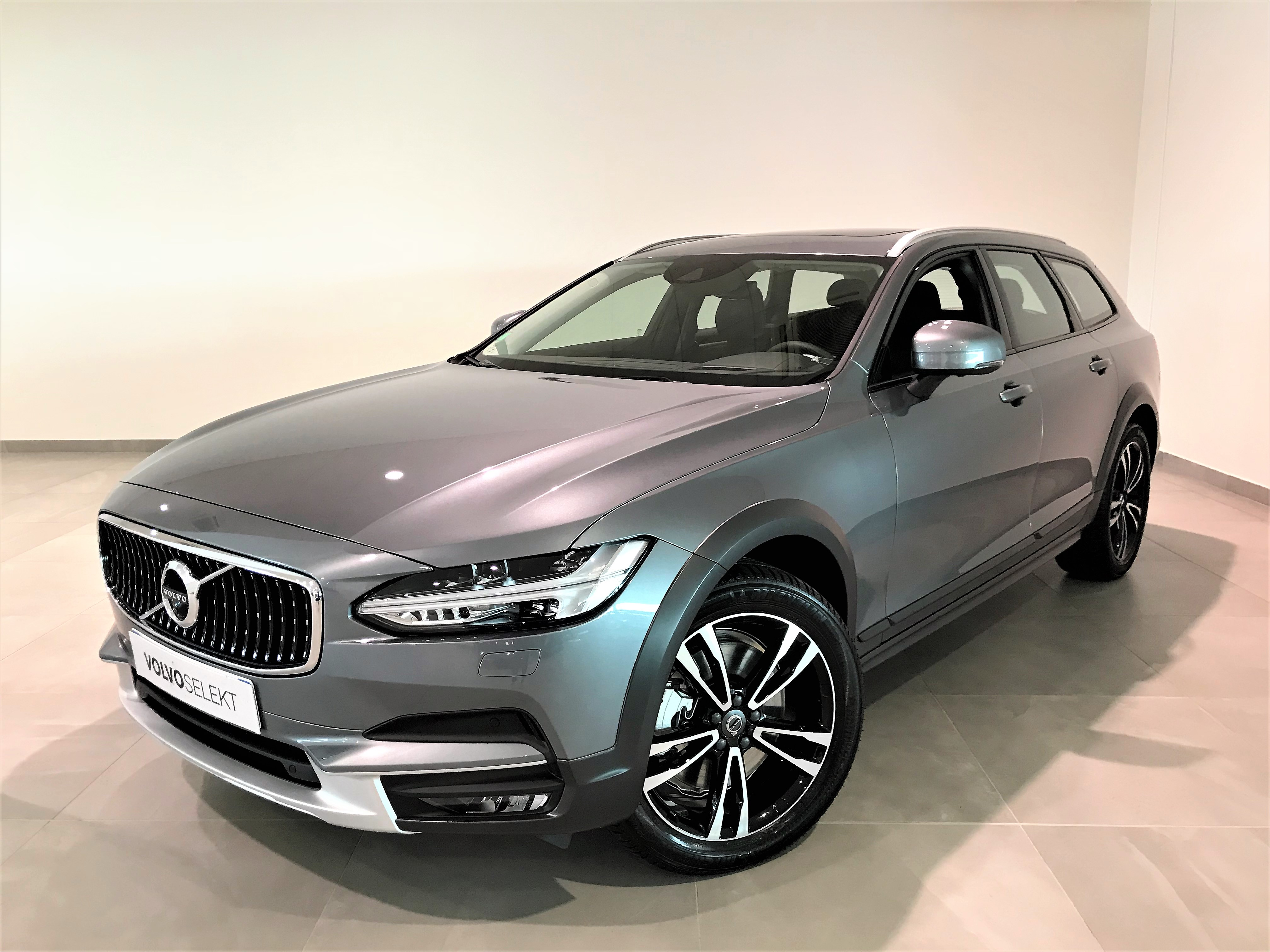 Volvo V90 cross country D5 AdBlue AWD 235ch Luxe Geartronic FELIX FAURE AUTOMOBILES VENISSIEUX