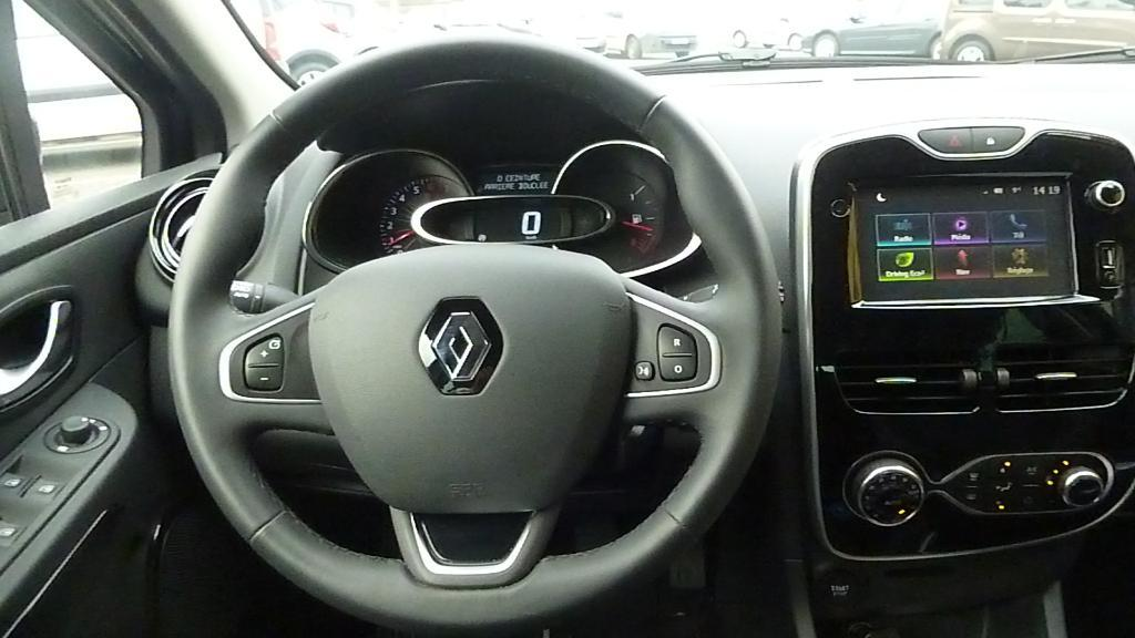 RENAULT Clio 0.9 TCe 90ch energy Intens Euro6 2015 RENAULT VIRE - Véhicule Immatriculé VIRE